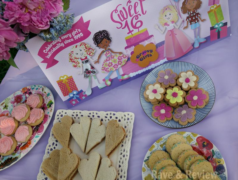 Groovy Girls table with food